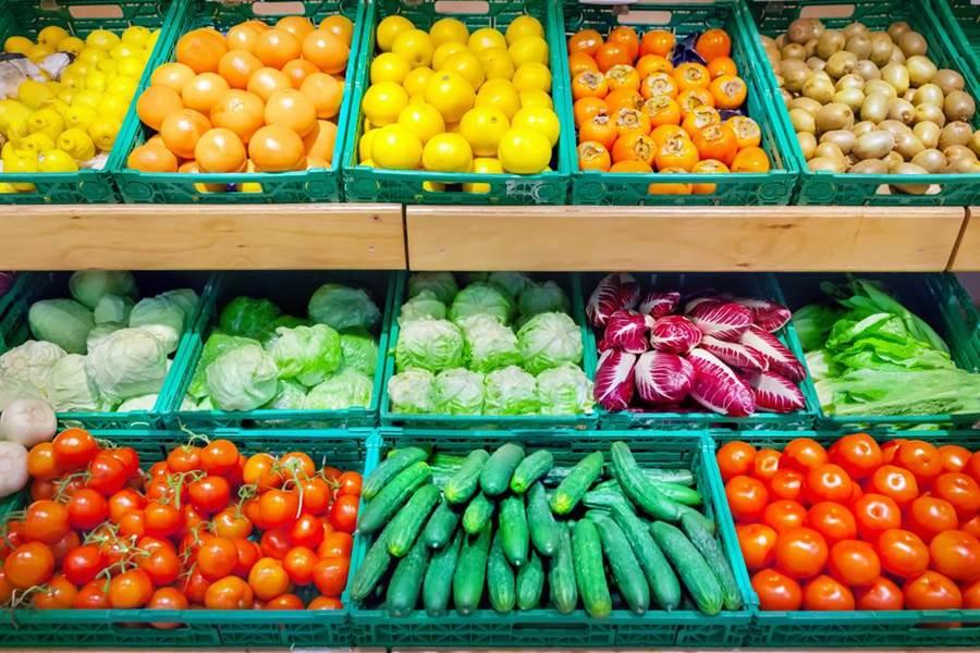 柿子、番茄、橘子等水果,不該空腹吃。(達志)
