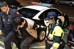 毒蟲摩鐵等買家 等到臨檢警察被逮