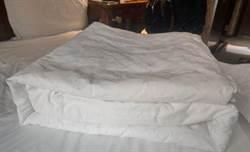 他棉被摺成這樣要休夭八 釣出學長嗆:放08算撿到了