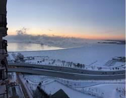 影》抗零下近50度酷寒 芝加哥火燒鐵軌