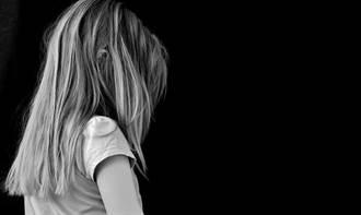 恐怖!人妻拒惡男求歡 4歲女兒慘遭砍頭剝皮