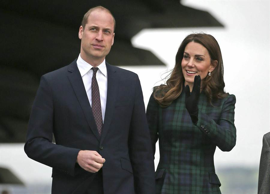 劍橋公爵威廉王子與妻子凱特1月29日前往蘇格蘭,出席當地首座設計博物館V&A丹地分館(V&A Dundee)的開幕儀式。(美聯社)