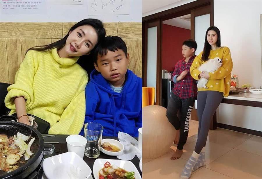 Angyungi曬出與兒子的合照,不少人驚呼宛如姊弟(圖翻攝自/雪花新聞)