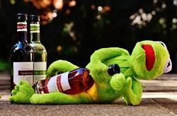 啪啪啪突然「插歪」撞恥骨 男下體折斷腫成酒瓶
