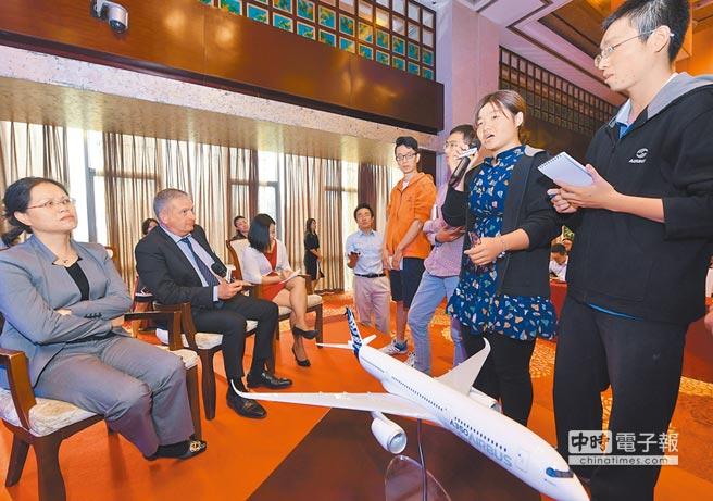 北京航空航天大學畢業生職場競爭力強,平均年薪逼近70萬。(新華社)