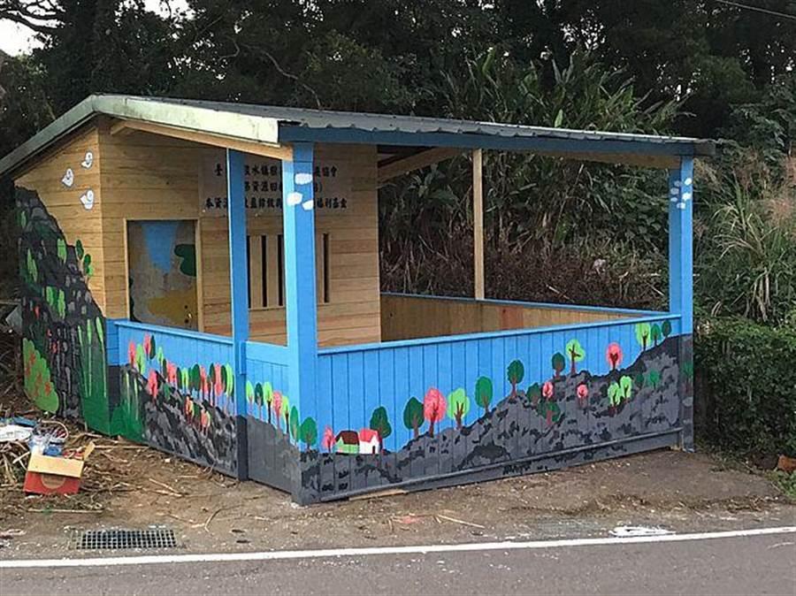 資源回收站外觀 藝術彩繪。(新北市農業局提供)
