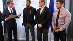 2015巴黎列車後續  3名勇者授與法國公民身份