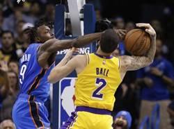 NBA》湖人若把後場賣光 誰來控球?