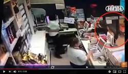 最醜陋人性!女店員遇搶匪逃跑 竟被同事抓回來挨刀