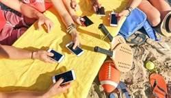 全球上網時間排名出爐 這國人每天黏網10小時台灣也排前段班