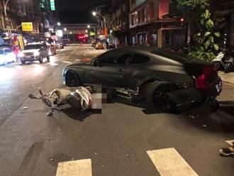 影》豐田撞上賓利超跑 賓利車主是醫美負責人