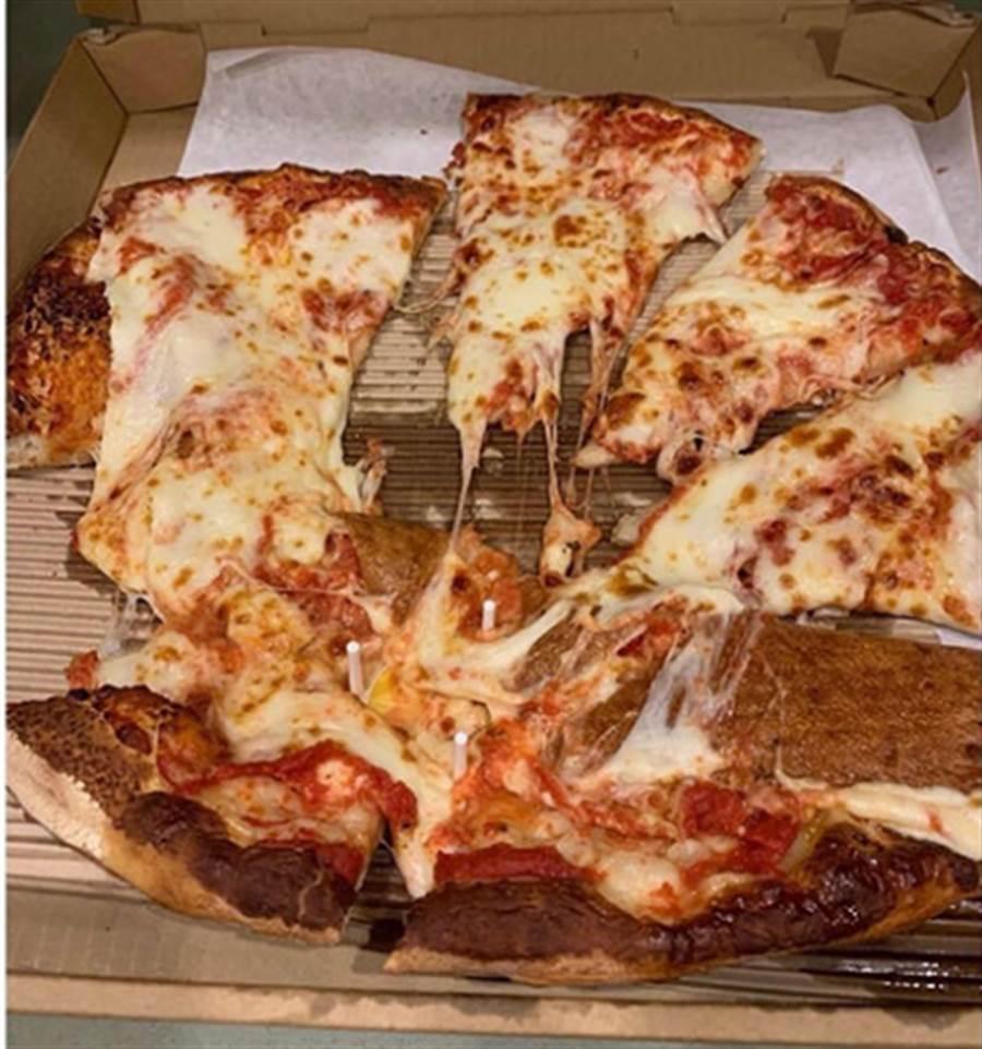 菜鳥外送員毀了披薩 老闆懲罰超展開(圖片取自/boredpanda)