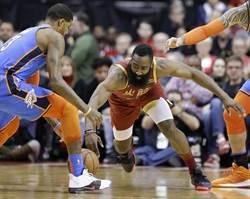 NBA》韋少壓過大鬍子 雷霆演出26分大逆轉