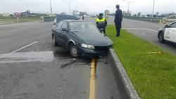宜蘭小客車自撞分隔島 7旬夫婦1重傷1輕傷