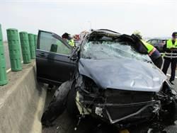 國道3號南下200公里連環追撞 3車成爛鐵2人受傷