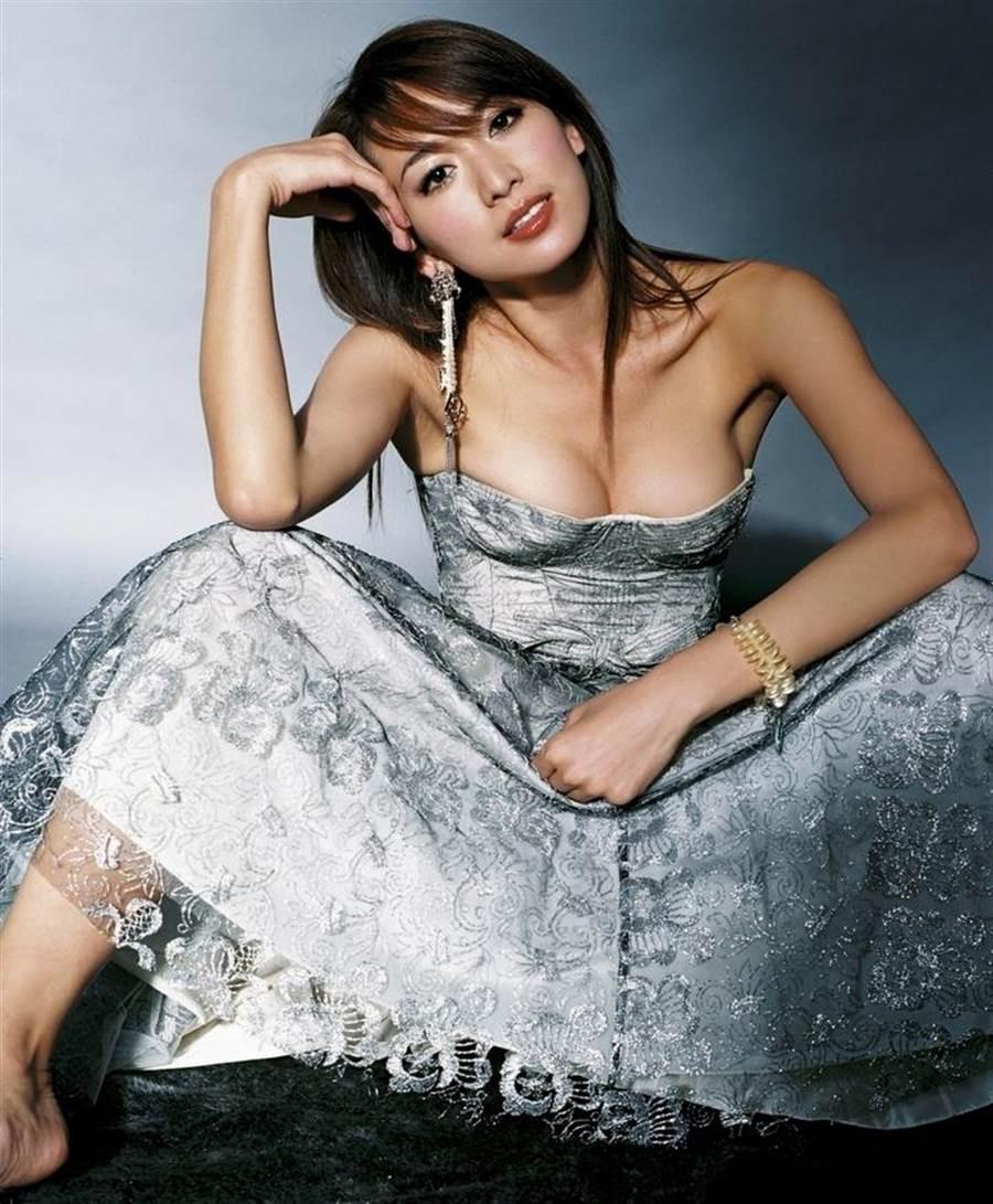 林志玲15年前為雜誌拍攝大膽寫真。(本報系資料照)