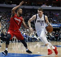 NBA》傳奇後衛稱讚東契奇 他是獨一無二的球員