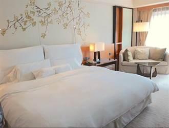 六福皇宮客房傢俱開賣!15萬元「天夢之床」出清只要1萬多元