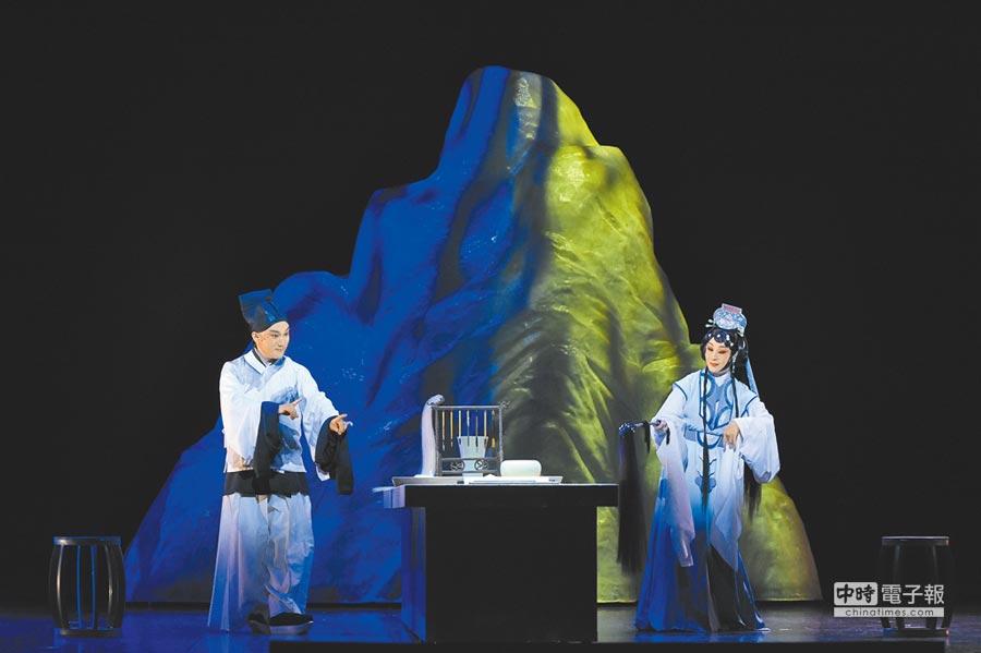 國光劇團新編京劇《十八羅漢圖》,透過一幅畫的真偽,探討人世間的真情。(國光劇團提供)