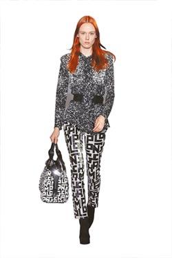 紐約時裝周-艾瑪羅勃茲看秀當暖壽