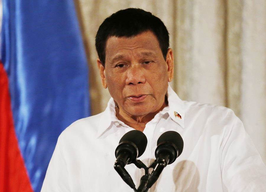 菲律賓總統杜特蒂11日再度語出驚人,表示有朝一日可能換掉菲律賓國名,改為「馬哈利卡」(Maharlika)。(圖/美聯社)
