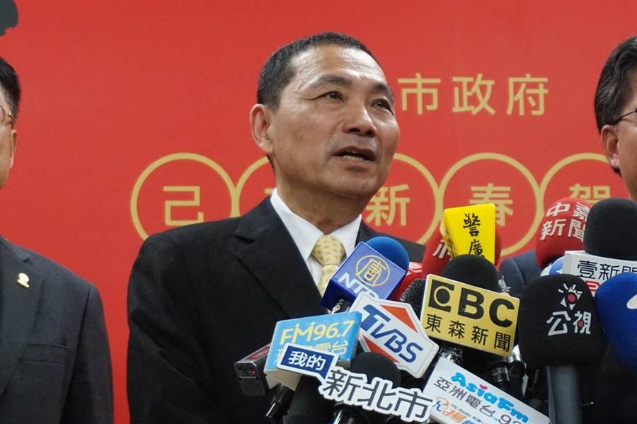 新北市長侯友宜表示,退讓才是永遠的贏家,要替對方著想。(甘嘉雯攝)