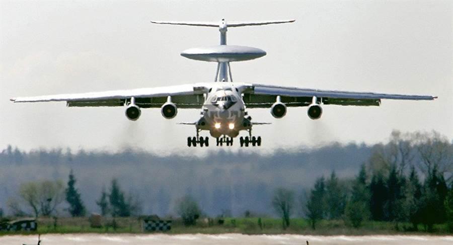 俄國A-100預警機,機體更大,所搭載的雷達性能也更好。(圖/俄國衛星網)