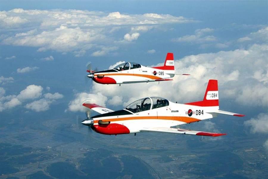 KT-1是韓國第一種全部自製的教練機,除韓國以外,還有印尼、土耳其、秘魯也使用,如果交易通過,西班牙將成為下一個用戶。(圖/韓國空軍)