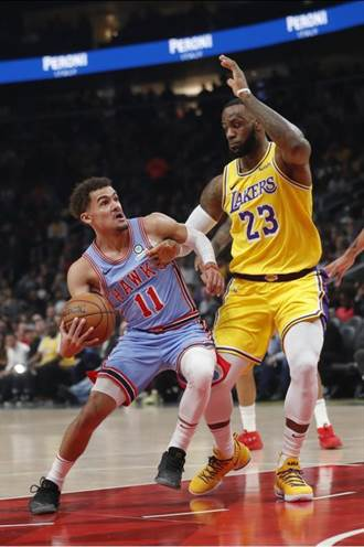 NBA》湖人不敵老鷹 詹姆斯大三元難挽頹勢