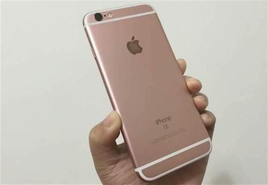 iPhone 6s 已戰三年,就現在來看,對很多人來說也不一定需要更換。(圖/黃慧雯攝)