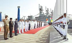 和平─19多國軍演 陸新艦上陣
