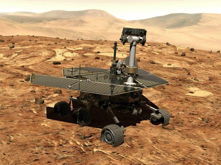 火星探測車機會號(Opportunity)2004年登陸火星,在去年6月失去聯繫,NASA 13日正式宣布機會號15年任務終結。(圖/美聯社)