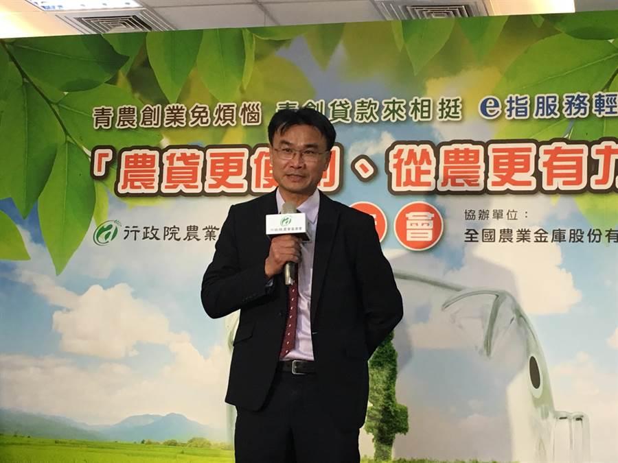農委會主委陳吉仲表示,23日起將由貿易業者由美、日進口140萬顆雞蛋,來補足短期缺口需求。(游昇俯攝)