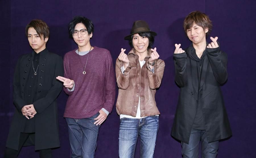 明希(左起)、Shinji、Mao、Yuya睽違5年再來台。(陳俊吉攝)