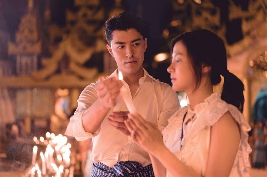 泰國男神Nine(左)在《限時好友》中一直深深喜歡青梅竹馬平采娜(右)。(威視提供)