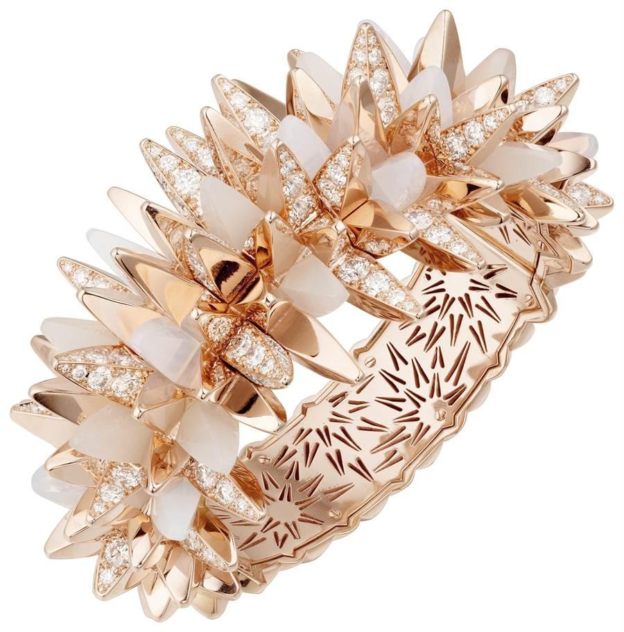 卡地亞GalaxiesdeCartier珠寶的Meteorites手環,755萬元。(Cartier提供)