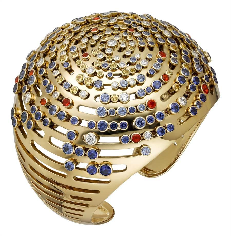 卡地亞GalaxiesdeCartier珠寶的Galaxies手環,470萬元。(Cartier提供)