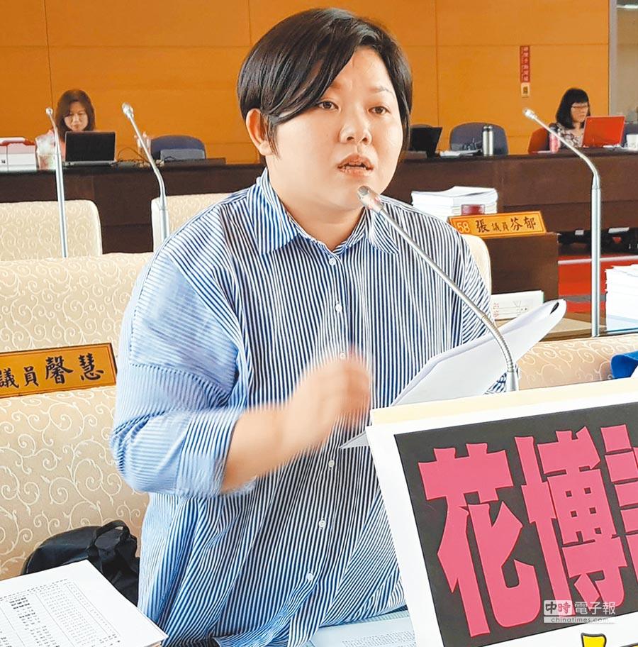 台中市議會副議長顏莉敏開出藍營第一槍,在臉書PO文「承諾就是信任」。(陳世宗攝)
