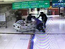 砍人沒事?婦持30公分刀砍傷女護理師判無罪
