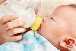 粗心爸錯把蟑螂藥當鈣餵寶寶 心肝腎都損傷了