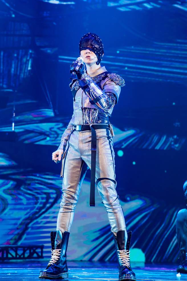亞洲唱作天王林俊傑昨日在台北小巨蛋舉辦《聖所世界巡迴演唱會》。