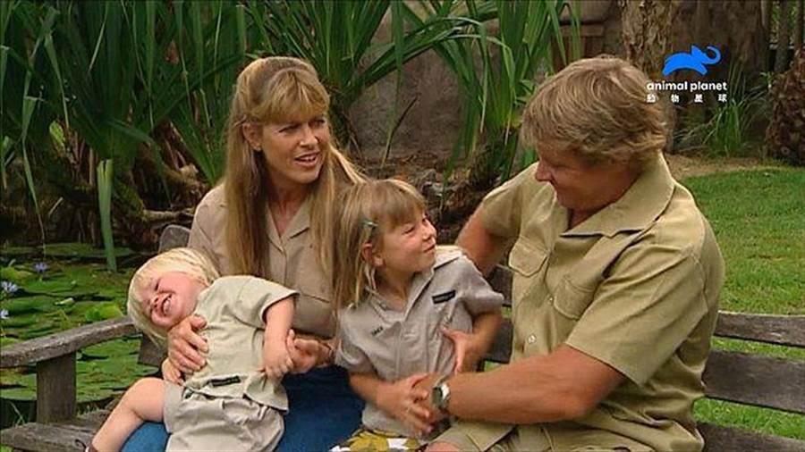 賓蒂與羅伯特從小就在動物園長大,和父母一樣熱愛大自然和野生動物。(動物星球頻道提供)