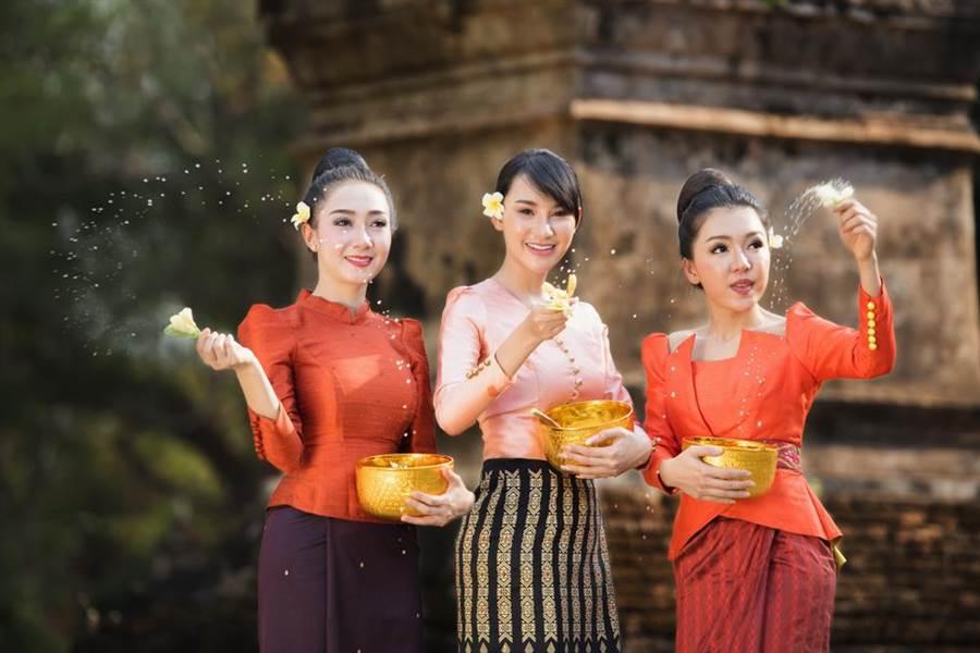 到泰國旅遊遇正妹遞毛巾 導遊警告:千萬不要接(示意圖/達志影像)