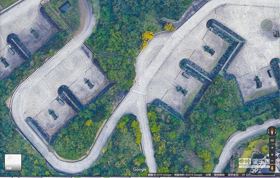Google地圖3D影像讓新店愛國者飛彈陣地意外曝光。(截圖自Google地圖)