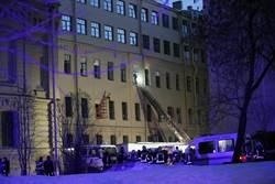 影》劈哩啪啦響不停!大學建物巨縫突現 4層樓塌