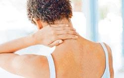 常感頭痛、頭暈 恐是頸椎病