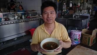 自炒湯頭配料 阿川紅燒土魠魚羹風味歷經80年傳承