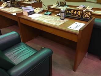 「無法瓦全只好玉碎」議員廖天隆自殺 市長黃敏惠、議會上香致意