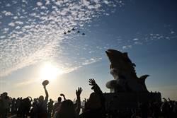 5架「經國號」軍機衝場為2019台灣燈會揭開序幕