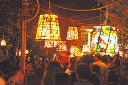逐燈祭玩巧思 高麗菜籃變花燈